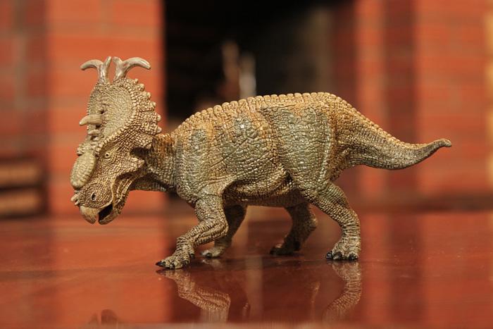 пахиринозавр