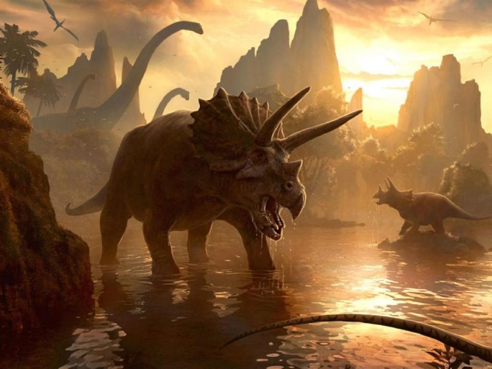 Динозавр с рогами на голове , динозавр с рогами на голове и на носу